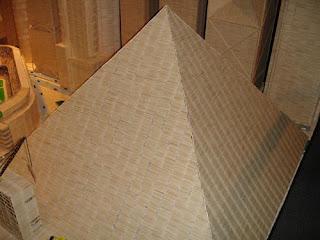 Piramide con palillos para dientes o Picadientes de madera