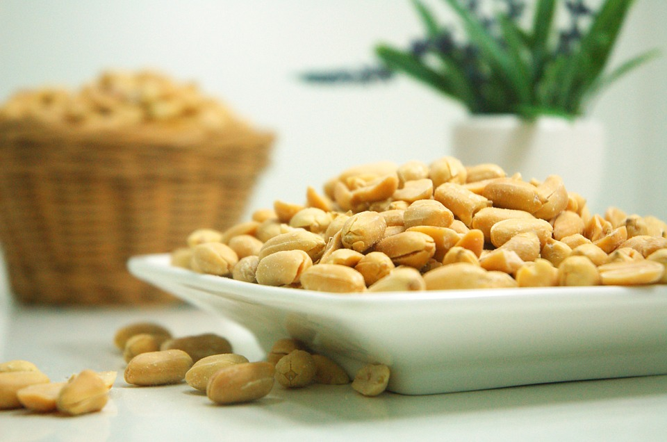 peanuts, nuts, benefits of nuts