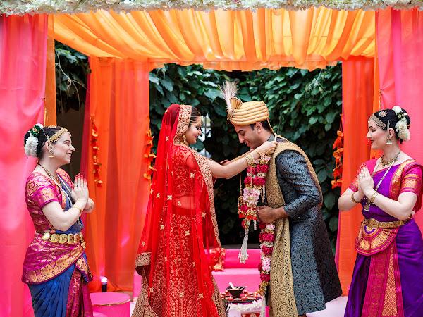 Feuerzeremonie - heiraten nach der indischen Tradition im Klostergut Besselich