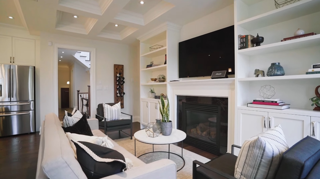41 Photos vs. 26 Glenavy Ave, Toronto, ON Interior Design Luxury Home Tour
