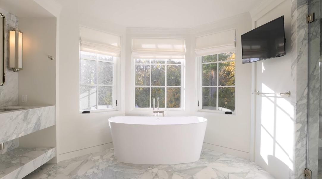 64 Interior Design Photos vs. 70 Bacon Rd, Old Westbury, NY Luxury Mansion Tour