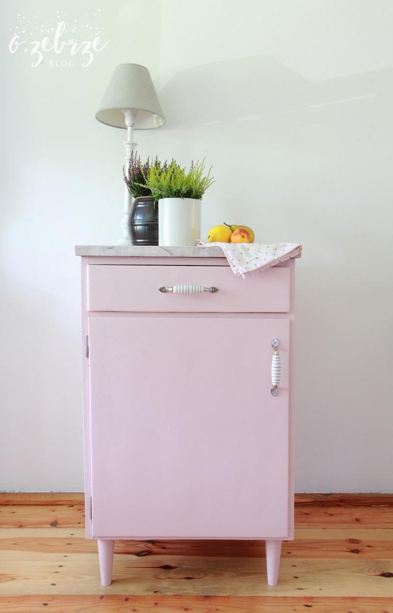różowa szafka