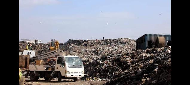 محافظ المنوفية  يوجه برفع تراكمات القمامة بمقالب تلا وقويسنا ونقلها للمدفن الصحي بالسادات