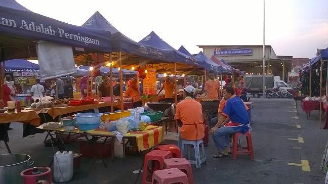 Gambar gerai Azmi Fried Chicken di pasar malam Taman Seroja Salak Tinggi