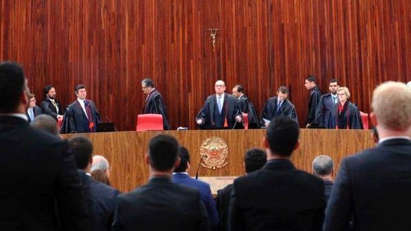 Inicia juicio que podría terminar el mandato de Michel Temer