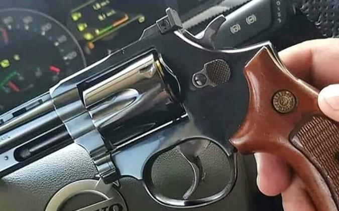 Deputado Federal apresenta projeto lei que concede porte de armas a caminhoneiros