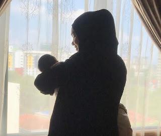 Siti-nurhaliza-mendodoikan-anaknya