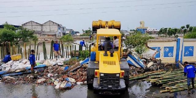 Muara Angke Banjir, AHOK: Tanya Pengacara dan aktivis yang melarang saya membongkar Pasar Ikan!