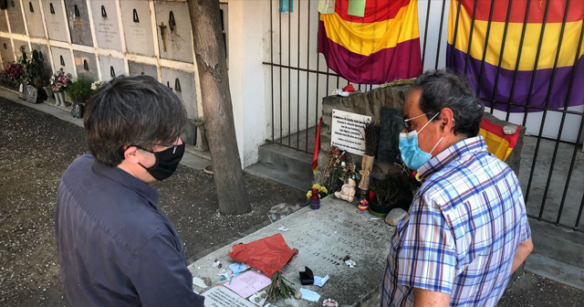 Quim Torra y Carles Puigdemont visitan la tumba del poeta Antonio Machado