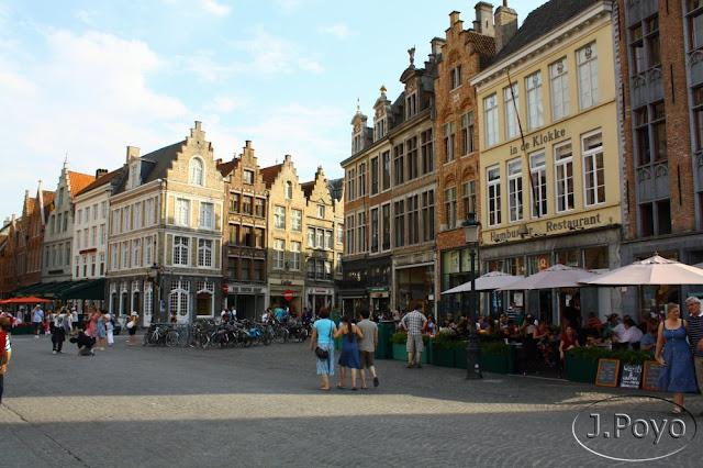 Casas gremiales de Brujas en la Grote Markt