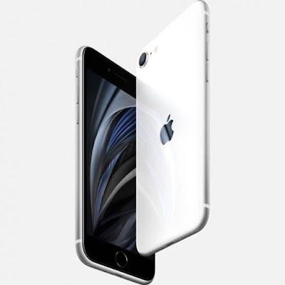 تسريبات تتحدث عن الجيل الثاني من هاتف iPhone SE والذي كان ينتظره العديد من المستخدمين الذين يفضلون الهواتف صاحبة الشاشات الصغيرة واليوم آبل أعلنت عن الهاتف بشكل رسمي.