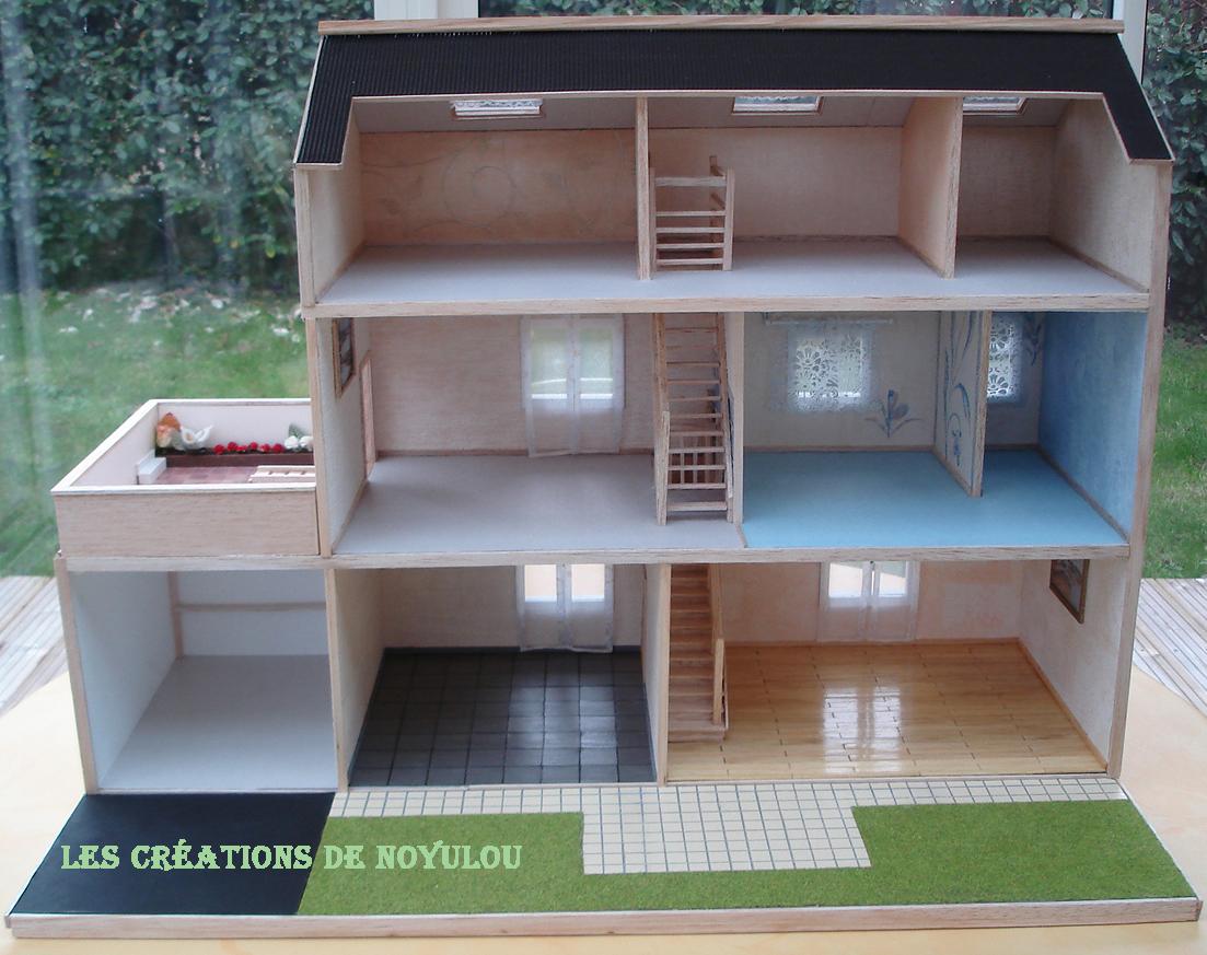 les creations de noyulou ses playmobils ont enfin leur maison. Black Bedroom Furniture Sets. Home Design Ideas