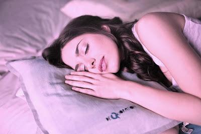 النوم القليل يضر بالصحة ويؤذي الجسد
