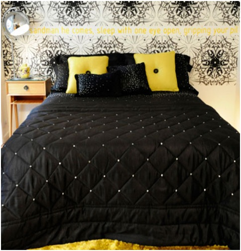 Yellow bedroom loft style, black and white New York Kylie Minogue