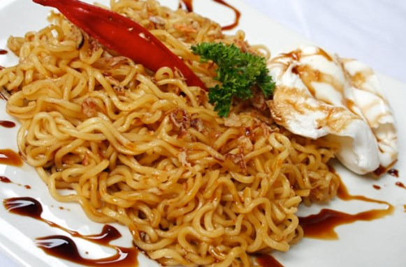 Makanan Anak Kost Murah Meriah Mengenyangkan