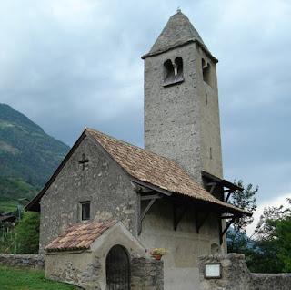 St. Prokulus Kirche in Naturns - In der Nähe des Radwegs
