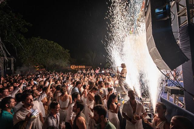 Réveillon em Noronha repete tradição e atrai celebridades, turistas e moradores da ilha
