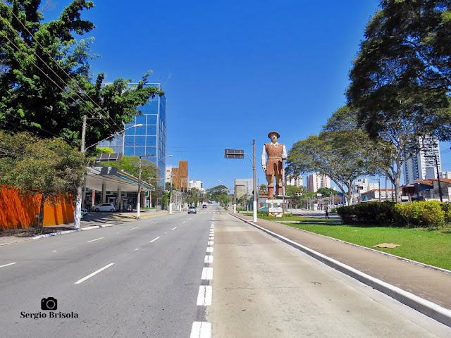 Vista de trecho da Avenida Adolfo Pinheiro - Santo Amaro - São Paulo