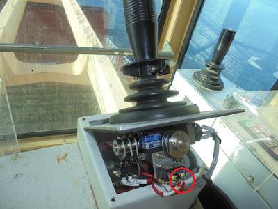 Ремонт джойстика на поворот башни крана