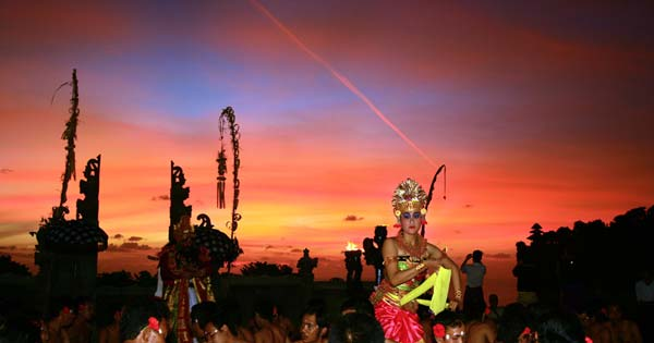 One attraction of Bali tourism attractions located on the beach Beaches in Bali; Sunset View Top seven Places In Bali