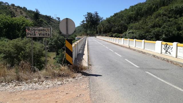 Ponte sobre a Ribeira do Torgal
