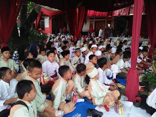 Suasana siswa SDN Ratujaya pada acara maulid nabi muhammad SAW