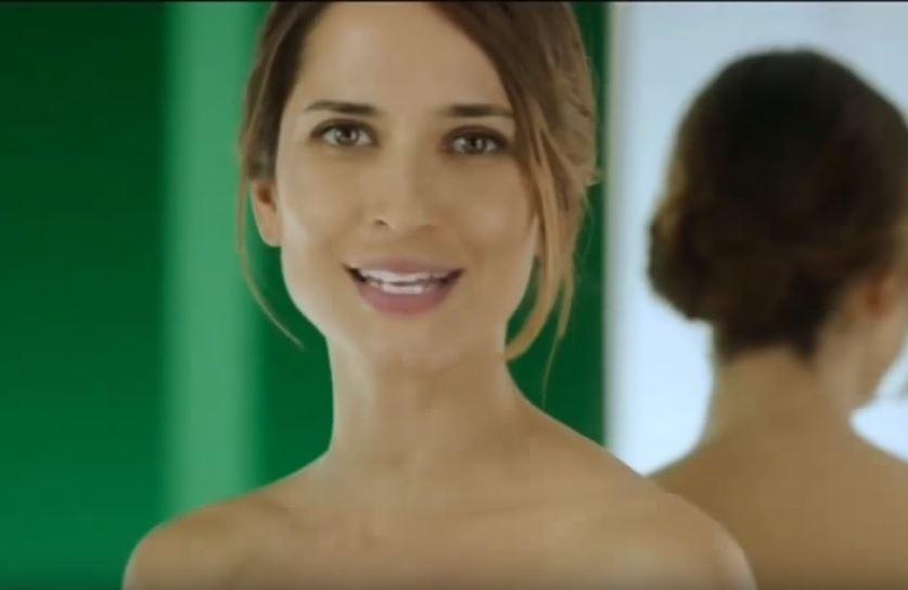 Modella Somatoline Cosmetic pubblicità Snellente 7 notti con Foto - Maggio 2017