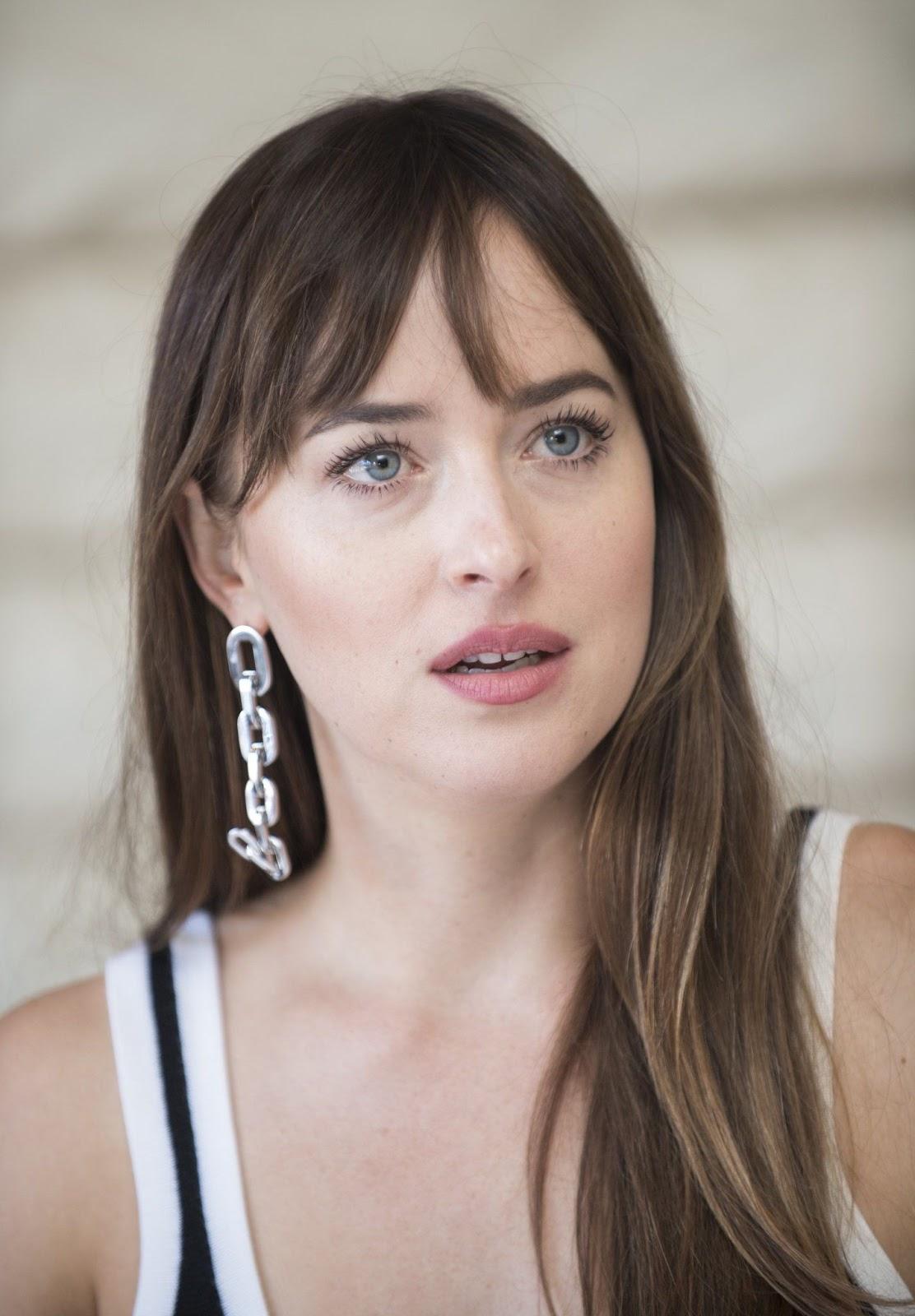Top Gorgeous US Actress Facebook DP