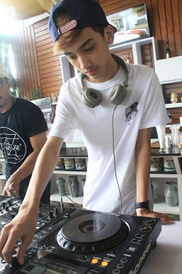 ari irham disc jockey