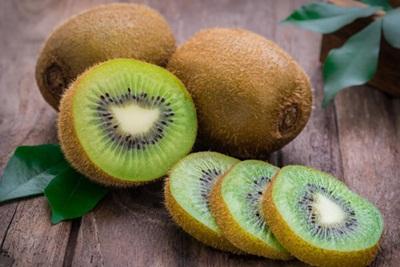 Cara Menurunkan Gula Darah dengan Buah Kiwi