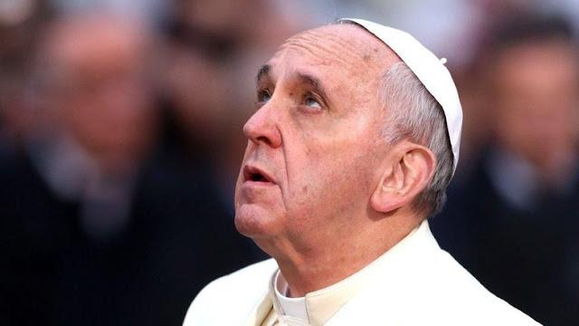 Paus Fransiskus Doakan Korban Bom Gereja di Surabaya