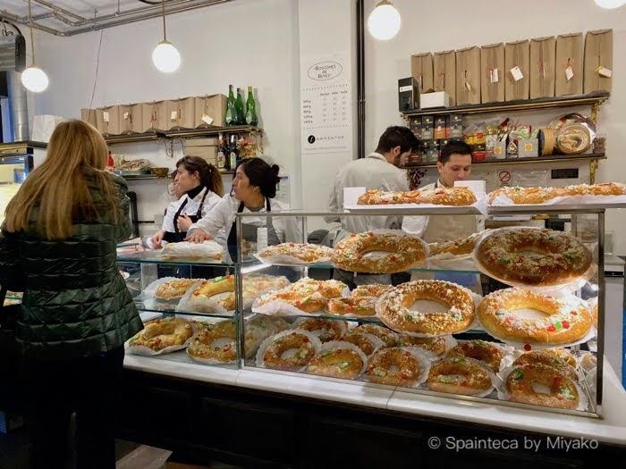 マドリードの人気菓子パン店フォルメントルの店内