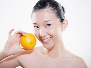 Làn da mịn màng nhờ quả cam