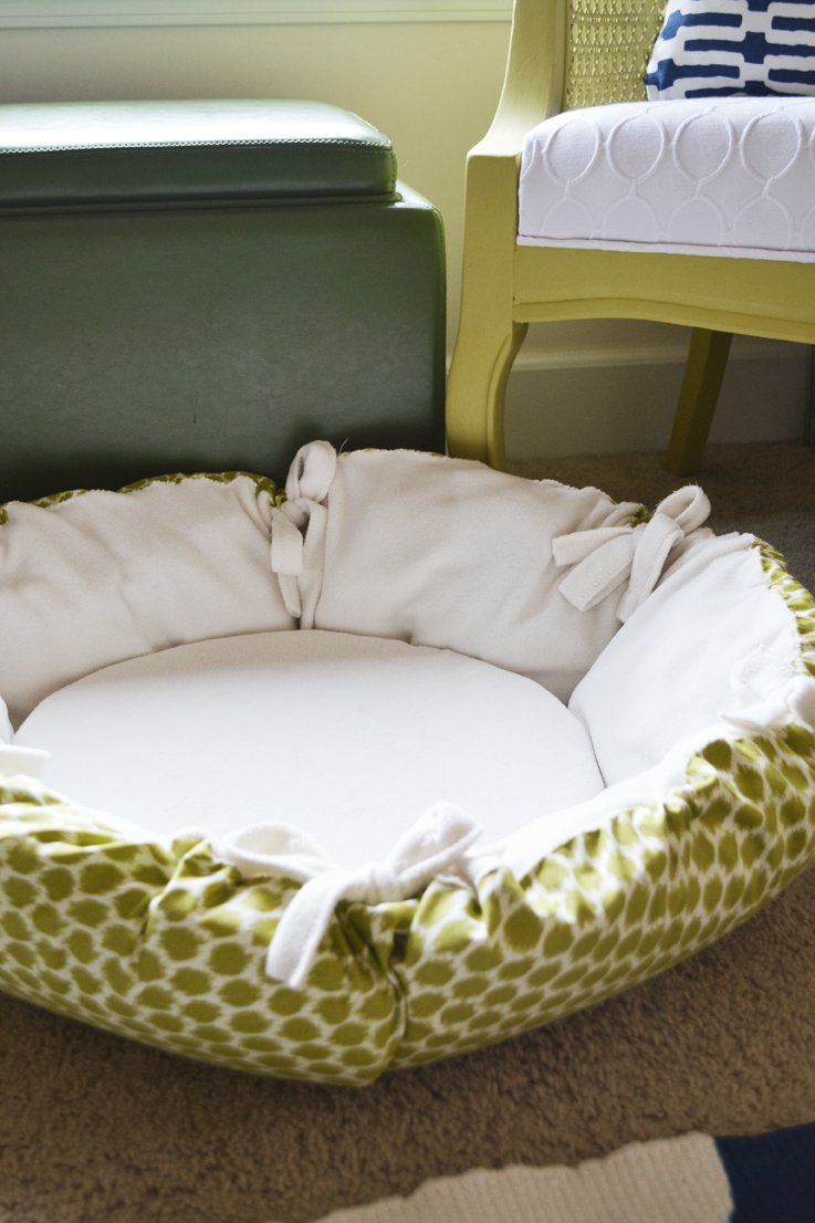 Sarah M Dorsey Designs Diy Christmas Gifts Round Pet Bed