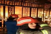 Ruko Berlantai 4 di Medan Terbakar, Seorang Tewas