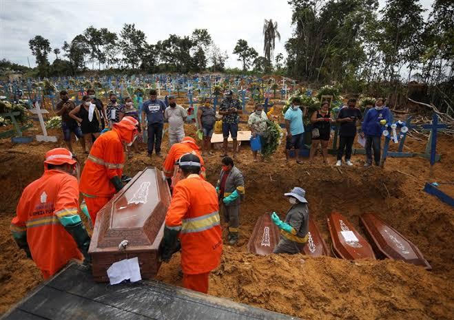 Miris, 881 Kematian Terjadi Dalam Sehari Akibat Virus Corona Di Brasil