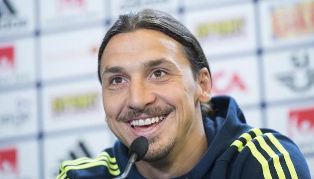 Manchester United mengkonfirmasi Zlatan Ibrahimovic Telah Menandatangani Kontrak