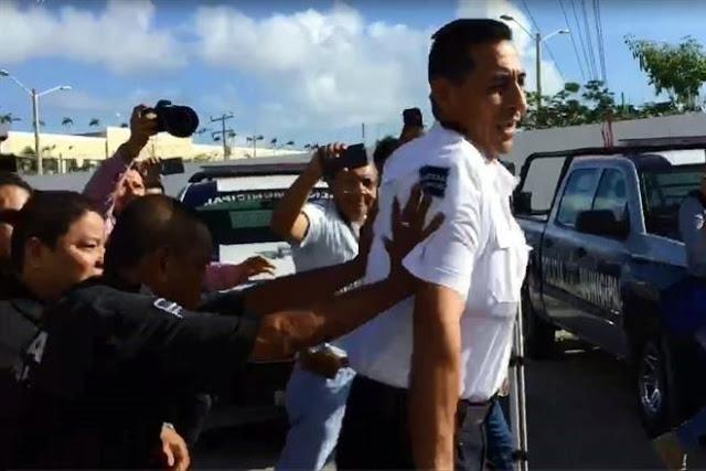 """AGENTES """"ALQUILADO$ al CRIMEN"""" RENTABAN RADIOS a DELINCUENTES: JEFE de POLICIA de CANCUN...el que corrieron a empujones. 7473578"""