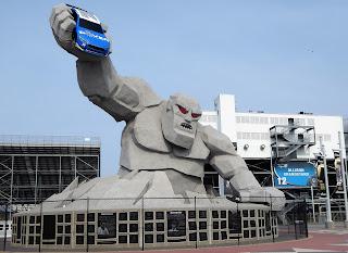 Dover International Speedway mascot