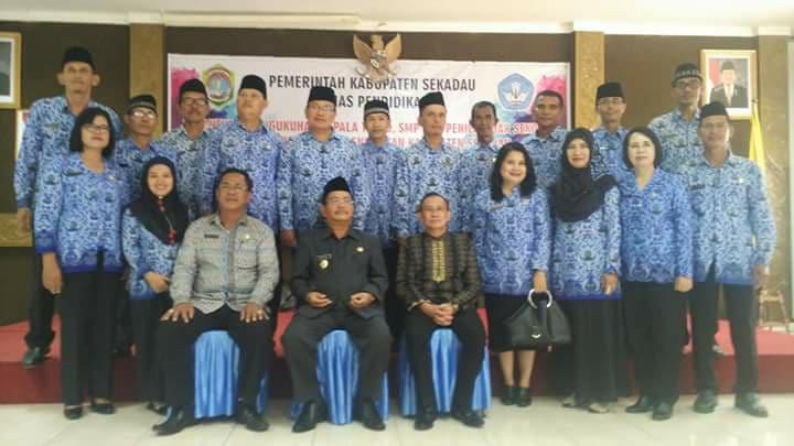 Bupati Sekadau Lantik 112 Kepala Sekolah TK, SD dan SMP di Kabupaten Sekadau