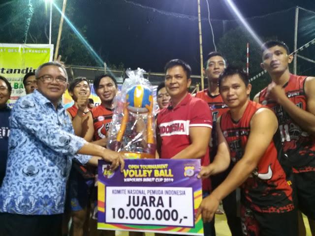 Tim volleyball Desa Tatelu Sabet Jawara di Tomohon Cup dan Kapolres Minut Cup