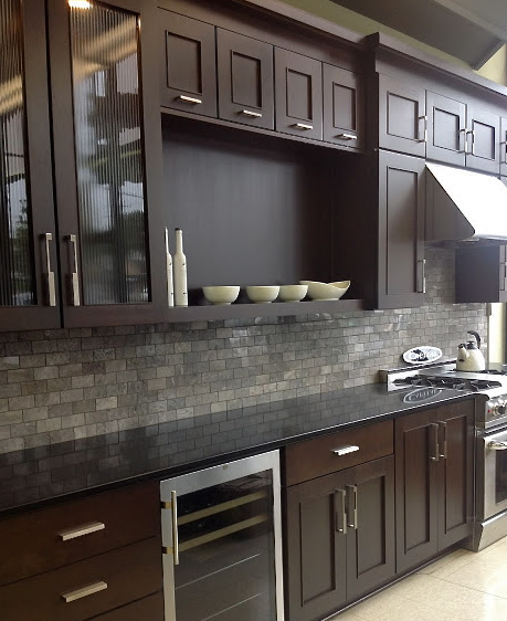 Kitchen Backsplash Cherry Cabinets: Color Forte: Warm Modern Kitchen With Truffle Cherry