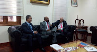 http://www.avn.info.ve/contenido/vicepresidente-istúriz-se-reúne-delegación-unasur-caracas