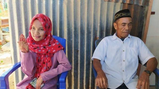 VIRAL : Kakek 60 Tahun Nikahi Gadis 21 Tahun, Sartika : Bukan Karena Harta Tapi Jatuh Cinta
