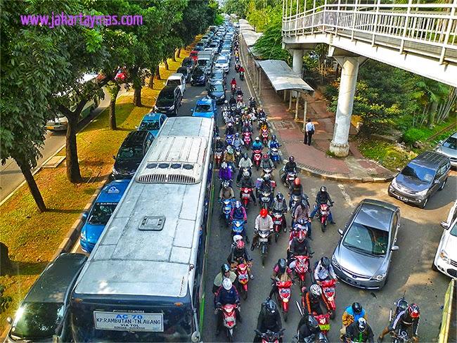 13 millones de motos en Yakarta
