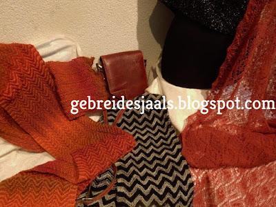 Handgebreide dassen,gebreidesjaals,gebreidebruidssjaals,shawls, stola's.