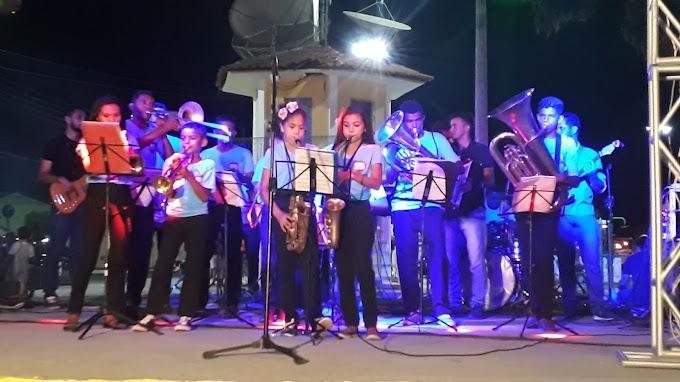 Dia do músico em Senador Sá reúne inúmeros artistas locais em sua quinta edição.