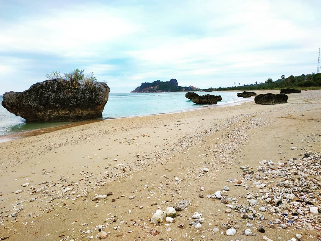 leli beach