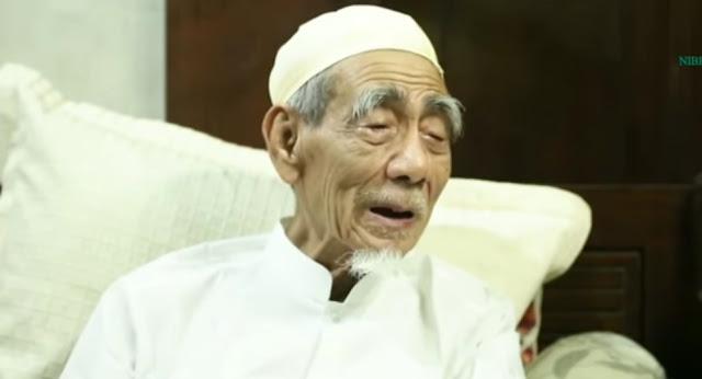 KH Maimoen Zubair : Sekarang Bukan Zamannya Khilafah, Sebarkan Islam Melalui Kebudayaan