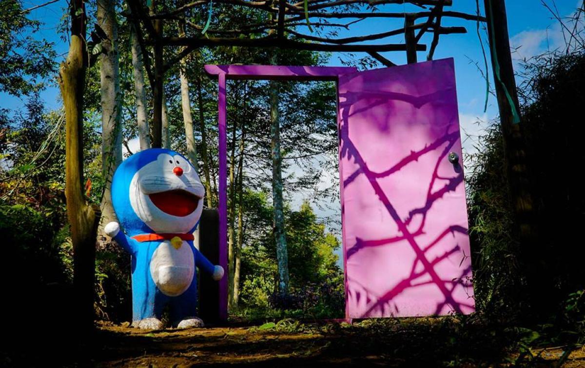 Pintu Kemana Aja Doraemon Taman Nectar Wisata Agro Selopajang Timur (WAST) Blado Batang
